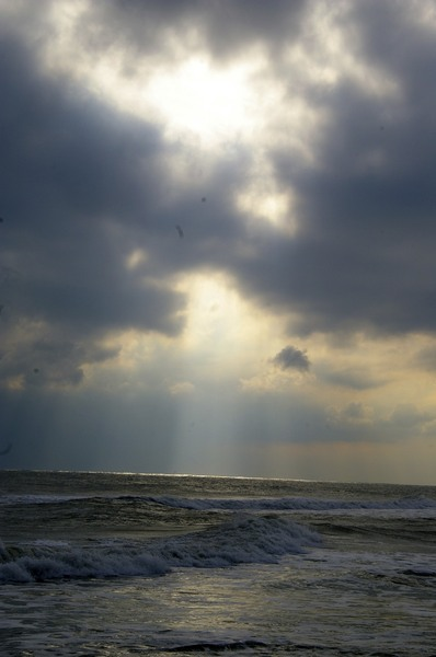 Light shaft over the ocean